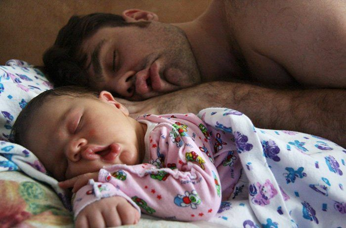 hipwee-fathers-day-baby-photography-33-5763be36df25f__700
